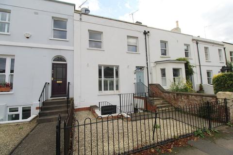 Studio to rent - Shurdington Road, Cheltenham