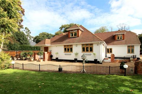 4 bedroom detached house for sale - Station Road, Lingfield, Surrey