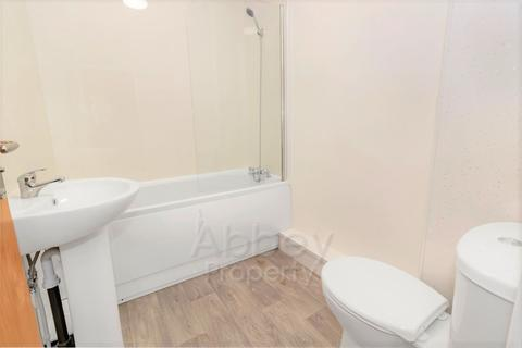 3 bedroom flat to rent - Dallow Road - LU1 1UR