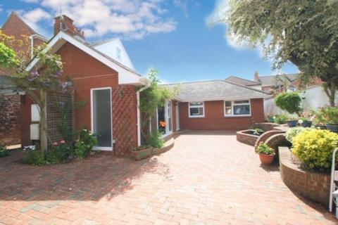 2 bedroom detached bungalow for sale - West Grove Road, Exeter