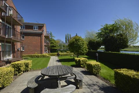 2 bedroom flat to rent - Fenview Court, CB4