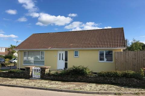2 bedroom detached bungalow for sale - Knights Meadow, CARNON DOWNS