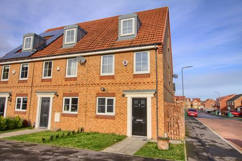 3 bedroom terraced house to rent - Kirkbride Way, Ingleby Barwick