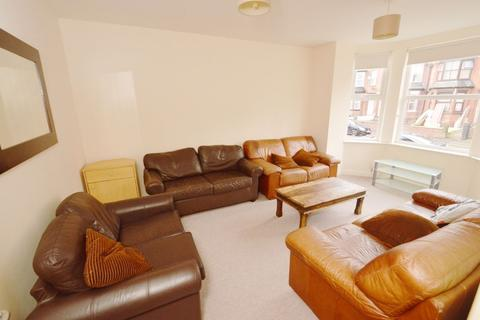 9 bedroom house to rent - Booth Avenue