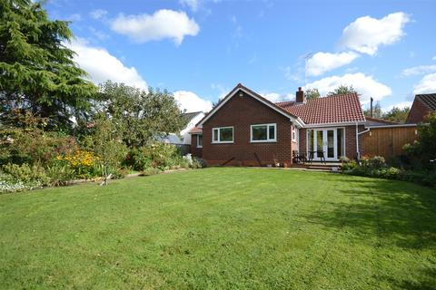 3 bedroom detached bungalow for sale - Allans Meadow, Neston