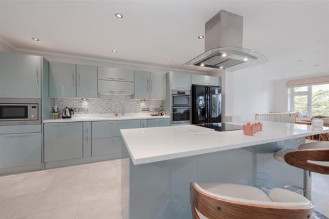 4 bedroom detached house to rent - Westdene Drive, Brighton, BN1 5HF