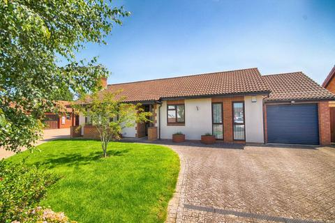 3 bedroom detached bungalow for sale - Whitethorn Drive, Prestbury, Cheltenham, GL52