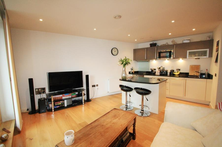 1 Bedroom Apartment Flat for sale in CANDLE HOUSE, GRANARY WHARF, LEEDS, LS1 4GH