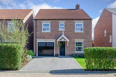 4 bedroom detached house for sale - Hurns Way, Easingwold, York