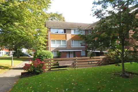 2 bedroom flat to rent - Sutton Court, Little Sutton Lane, Sutton Coldfield, B75 6SF
