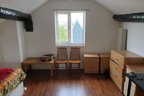 Studio to rent - St Annes Road, Cradley Heath, Studio Apartment