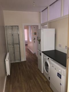 4 bedroom flat to rent - Lesbury Road, Heaton , Newcastle Upon Tyne NE6