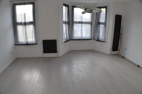 1 bedroom apartment to rent - SELBOURNE RD, ILFORD IG1
