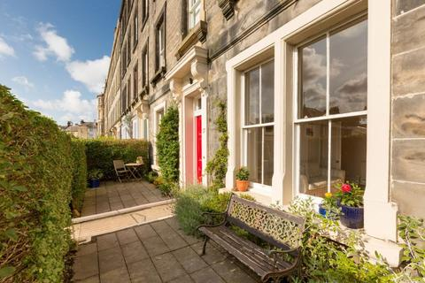 3 bedroom ground floor flat for sale - 17 Bellevue Street, Edinburgh, EH7 4BX