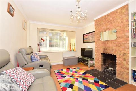2 bedroom semi-detached bungalow for sale - Admirals Walk, Minster On Sea, Sheerness, Kent
