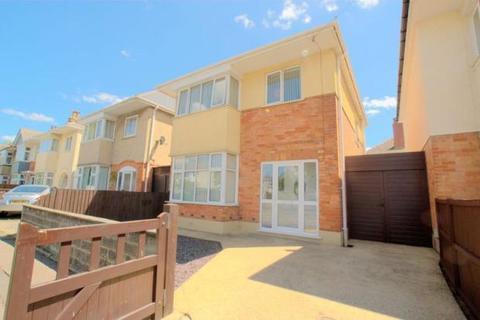 3 bedroom detached house for sale - Castlemain Avenue, Southboune BH6