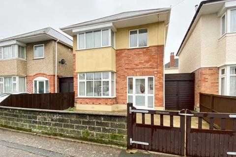 3 bedroom detached house for sale - Castlemain Avenue, Southboune BH6