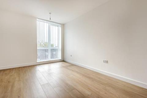 1 bedroom apartment to rent - Royal Winchester House, Bracknell, RG12