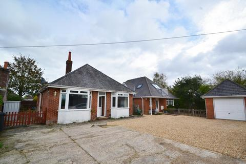 4 bedroom bungalow for sale - Upton