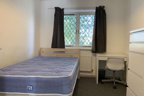 1 bedroom property - Hales Drive, Canterbury, CT2