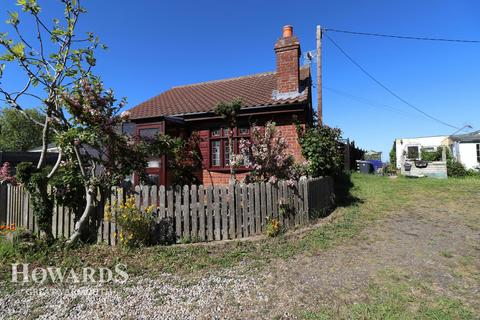 2 bedroom property for sale - Fakes Road, Hemsby