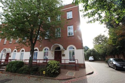 Property to rent - Spring Villa Park, Spring Villa Road, Edgware, Middlesex