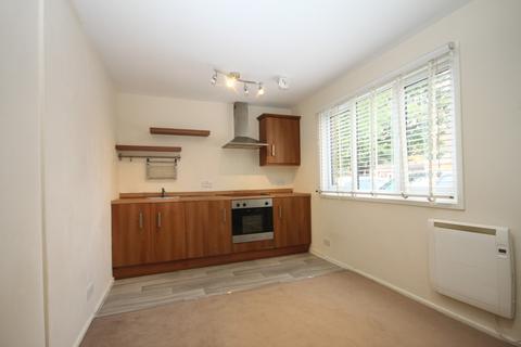 1 bedroom flat to rent - Chertsey Close, Luton