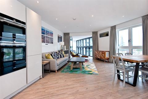 3 bedroom apartment to rent - New Drum Street, E1