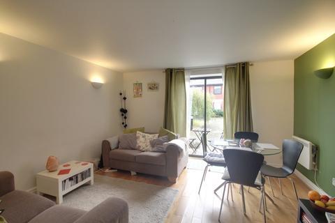 2 bedroom ground floor flat for sale - Queens Court, 15 Cox Street