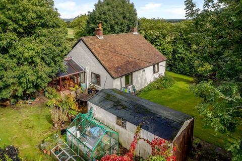 2 bedroom detached bungalow for sale - Crookham Common Road, Crookham Common, Thatcham, Berkshire