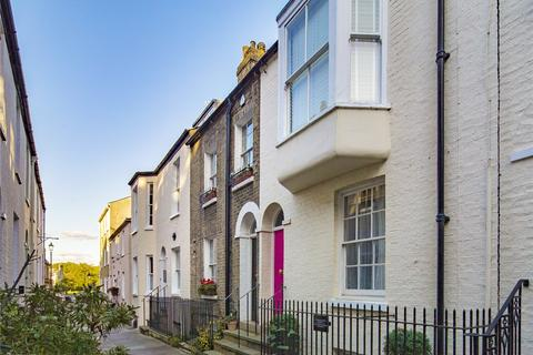 3 bedroom terraced house for sale - Portugal Place, Cambridge, CB5
