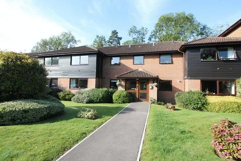 2 bedroom retirement property for sale - Heathside Court, Tadworth