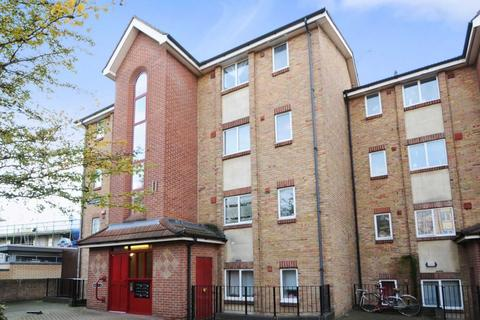 1 bedroom flat to rent - Lavette House, Bow E3