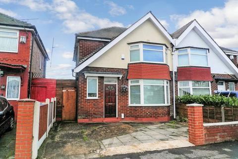 3 bedroom semi-detached house to rent - East Lancashire Road, Swinton, Manchester