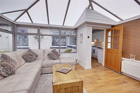 2 bedroom semi-detached bungalow for sale - Lisle Road, South Shields, Tyne And Wear