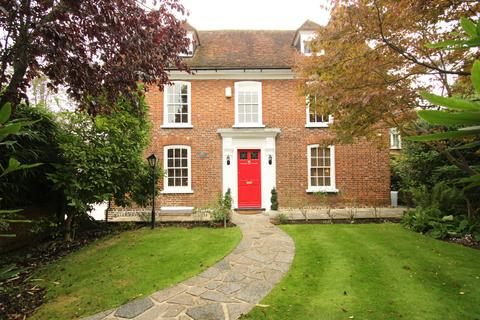 4 bedroom detached house to rent - Chislehurst Road, Orpington, BR6