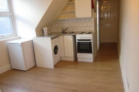 1 bedroom flat to rent - Lanark Mansions W12