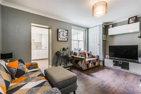 1 bedroom flat for sale - Huguenot Terrace, East Hill, London