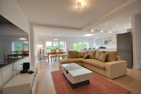 5 bedroom chalet to rent - Sherwood Avenue, Poole