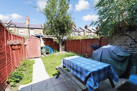 4 bedroom terraced house to rent - Morley Avenue, Wood Green