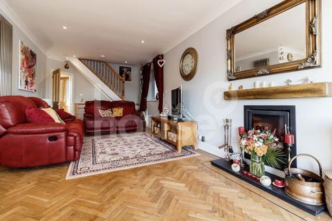 4 bedroom detached bungalow for sale - Highfield Road, Halfway