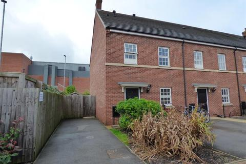 3 bedroom semi-detached house for sale - Constable Close, Beverley, East Yorkshire, HU17 0FR