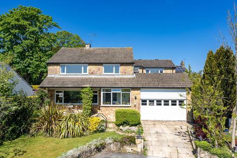 5 bedroom detached house for sale - Miles Garth, Bardsey, LS17