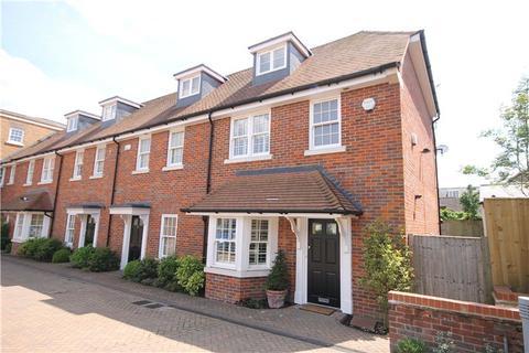 3 bedroom semi-detached house to rent - Blue Dragon Yard, Beaconsfield, Buckinghamshire, HP9