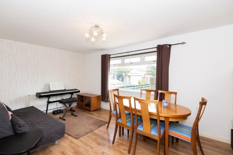 3 bedroom flat to rent - Shieldhill Gardens, Cove Bay, Aberdeen, AB12 3JY