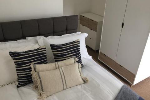 6 bedroom house share to rent - 1 Nuneham Avenue