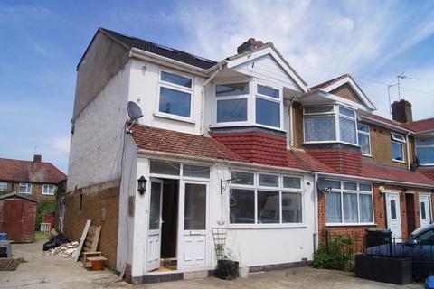 3 bedroom flat to rent - Forest Road, Enfield, EN3
