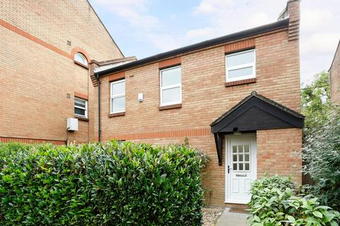 3 bedroom end of terrace house to rent - Earlston Grove, E9