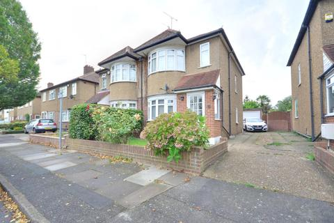 3 bedroom semi-detached house to rent - Sussex Road, Ickenham, Middlesex UB10 8PN