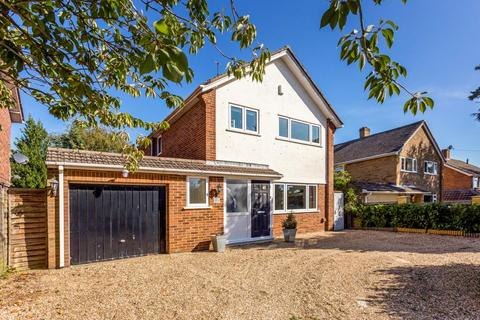 3 bedroom detached house to rent - Ranelagh Crescent, Ascot